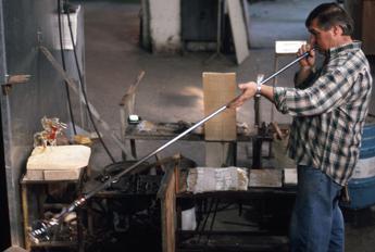 Vetro di Murano, il futuro è sostenibile. Scienziati al lavoro