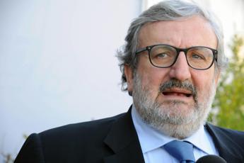 Emiliano: ArcelorMittal vuol far cadere governo