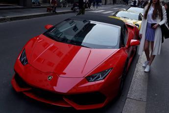 Mr. Lamborghini chiede 780mila euro, poi finisce male