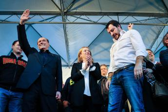 Meloni, Salvini e Berlusconi firmano 'patto anti-inciucio'