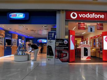Multa da 10 milioni per Tim e Vodafone