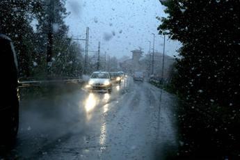 Pioggia, neve e gelo: strade in tilt