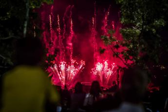 Cuba, esplosione accidentale di fuochi d'artificio a un festival: 40 feriti