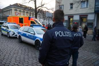 Germania, 'rischio attentati da donne e teenager'
