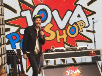 Jovanotti chiude il Pop Shop dei record