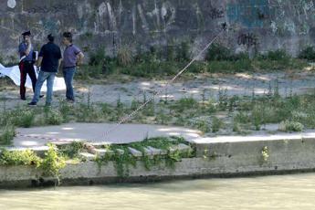 Roma, si suicida gettandosi nel Tevere