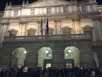 Alla Scala di Milano 2mila giovani per la 'primina' di Andrea Chénier
