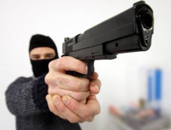 Furti e rapine, in Italia danni per 3,4 miliardi alle aziende retail