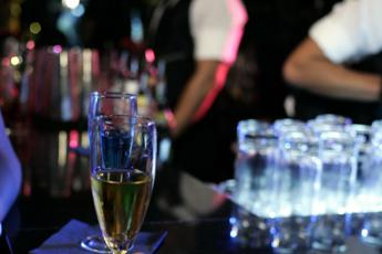 Discoteche chiuse, Fontana: Consentire vendita di cibo e bevande