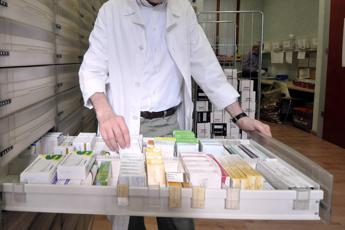 Antibiotici, Ue: Limitare vendita