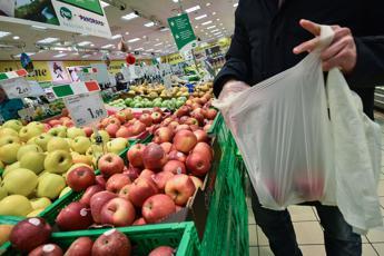 Sacchetti frutta, perché ora si pagano
