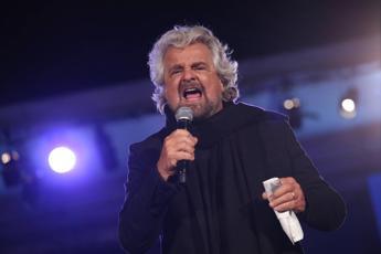 Zero commenti e politica: Grillo torna al centro del blog