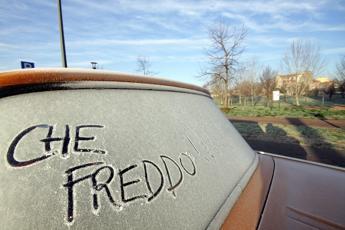 Come proteggere l'auto dal freddo