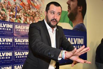 Macerata, Salvini: Colpa di chi ha riempito l'Italia di profughi