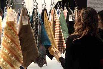Industria tessile verso la sostenibilità e l'economia circolare