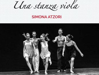 Simona Atzori danza per 'Wondy sono Io' al Manzoni di Milano