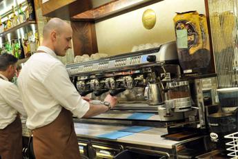 Aumenta il caffè al bar: Torino record a 1,10 euro