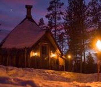 Turismo d'inverno in Lapponia svedese fra rompighiaccio e aurore boreali