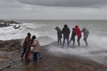 Francia, arriva Carmen: in 65mila senza elettricità sulla costa