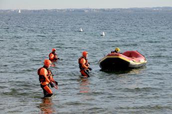 Litiga col fidanzato e si getta in mare: 30enne dispersa ad Albenga