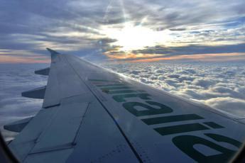Alitalia riparte, ricavi in aumento