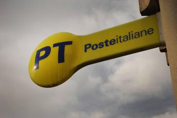 Poste sigla accordo con Intesa Sp