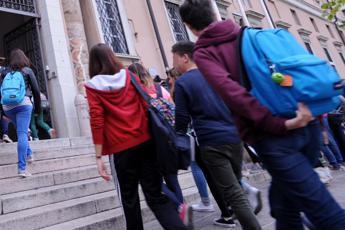 Scuola media, al via test Invalsi