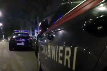 Stupra lei, picchia lui: caccia all'uomo a Milano