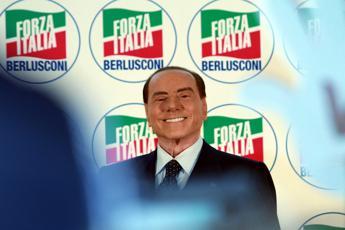 Silvio liberato, Berlusconi infiamma i social
