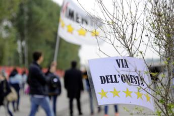 M5S: Scalfarotto, Borrelli lascia, Movimento sta implodendo