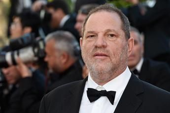 La procura di New York fa causa a Weinstein