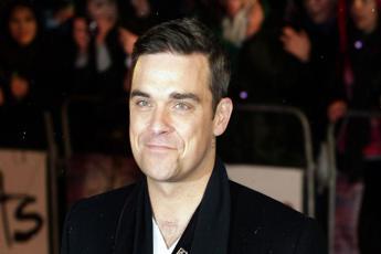 Robbie Williams: Ho una malattia nella testa che vuole uccidermi
