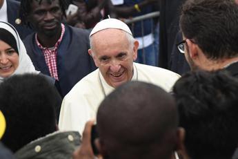 Beva grappa: il consiglio del Papa alla suora raffreddata