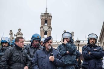 Roma blindata e in trincea 5 cortei nella Capitale