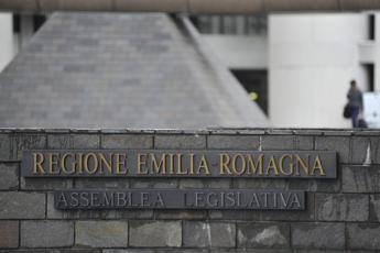 E.Romagna, oltre 200 operatori gioco protestano davanti Regione