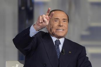 Berlusconi non scopre le carte