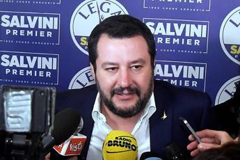 Salvini: Leva militare antidoto al razzismo