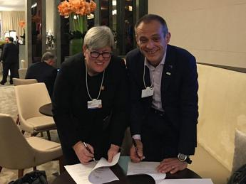 Schneider Electric sigla una partnership con Sustainable Energy for All (SEforALL)
