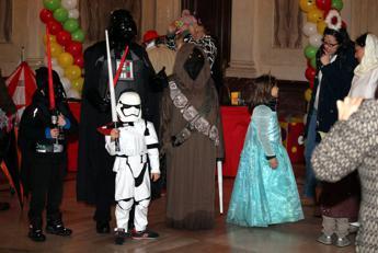 Addio fate e cavalieri, a Carnevale trionfano i supereroi