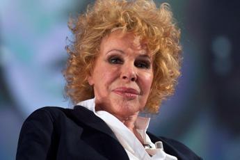 """Sanremo, Ornella Vanoni contro Junior Cally: """"Osceno"""""""