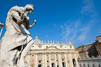Vaticano: stop alle chiese night club