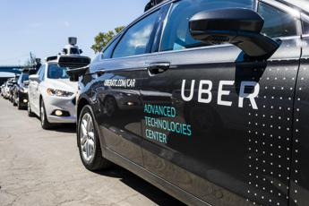 Incidente mortale in Arizona, Uber sospende i test sulle auto autonome