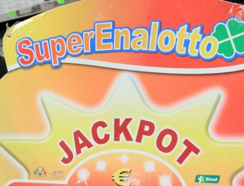SuperEnalotto, jackpot da sballo