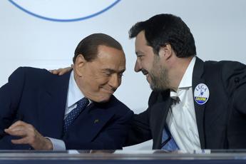 Ue, Silvio marca stretto Salvini
