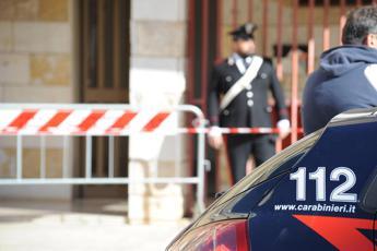 Napoli, spari in centro e bombe carta