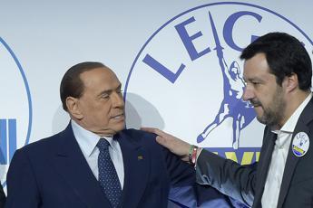 Lega: Non tradiremo Berlusconi