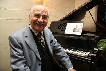 Addio a Luigi De Filippo