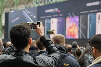 Huawei P20 Pro, tre fotocamere Leica per 'professionisti'