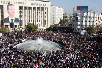 Le Monde: Capo 007 siriani ricevuto a Roma