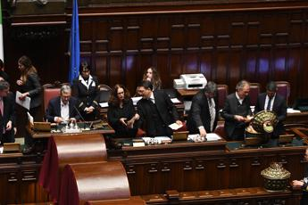 Camera e Senato, fumate nere
